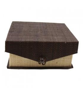 Boîte à bijoux compartimentée en raphia brun et naturel. 13*13cm
